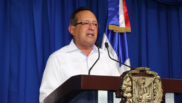 Ángel Estévez, ministro de Agricultura, durante rueda de prensa en el Palacio Nacional donde ofreció la información sobre el levantamiento de la veda.