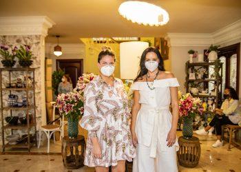 Kayla Sicrafi y Viviana Cabral.