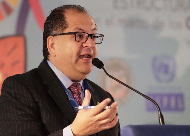En la imagen, el director regional de América Latina y el Caribe del Programa de Naciones Unidas para el Desarrollo (PNUD), Luis Felipe López Calva.   Bienvenido Velasco, EFE.