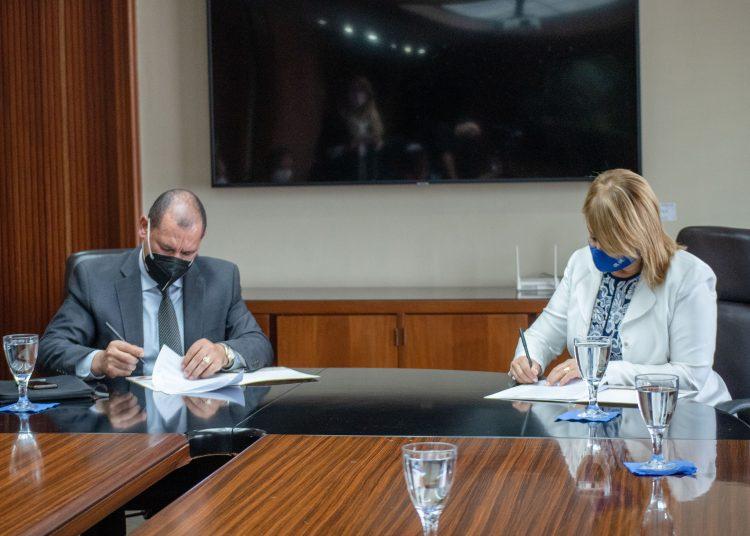 Bacilio Sánchez, presidente nacional del ICPARD, y Rosanna Ruiz, presidenta ejecutiva de la ABA.