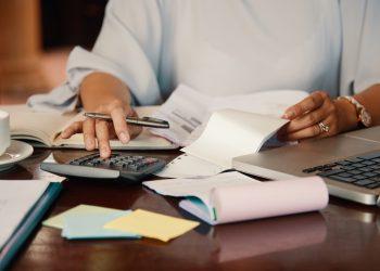 Según explica la ABA, los descuentos de factura y el arrendamiento financiero o leasing, que constituyen formas de financiamiento disponibles para mejorar la productividad de las empresas, mantuvieron un comportamiento positivo en el citado período.