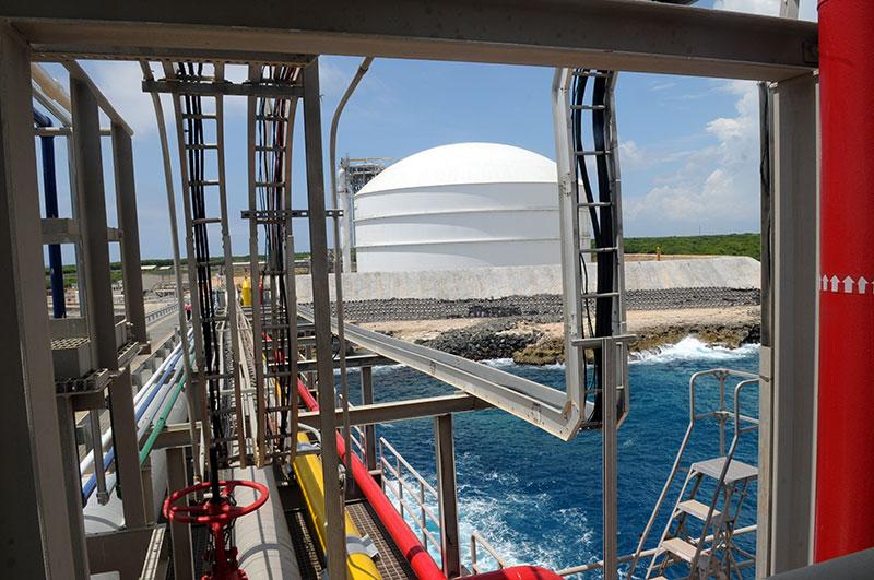 En Andrés, Boca Chica, funciona la única terminal de gas natural del país./elDinero