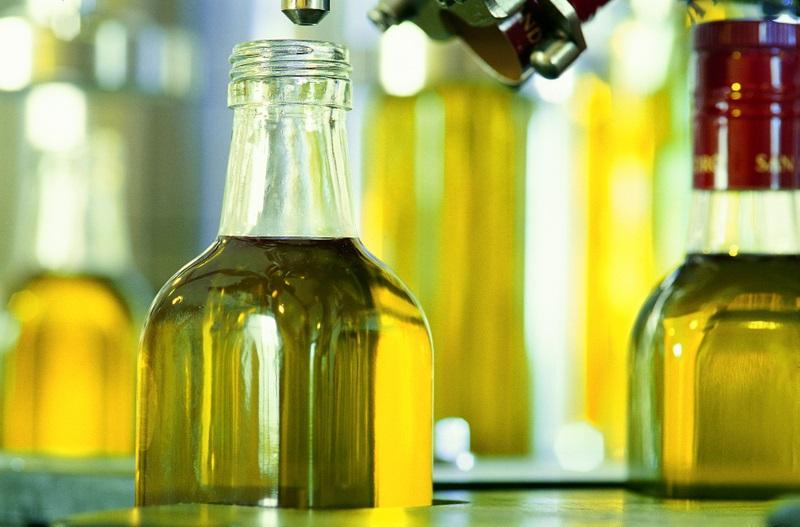 economía. las exportaciones de aceite de oliva envasado a estados unidos caen m
