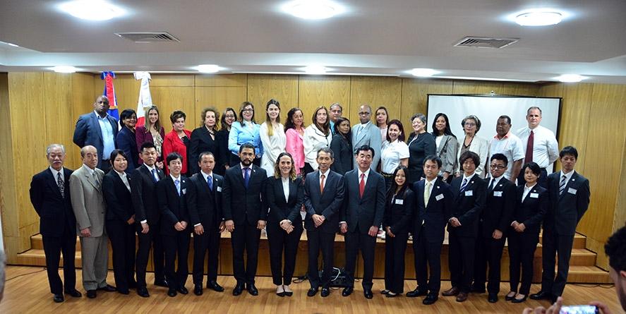 acto de entrega de voluntario japoneses (70)