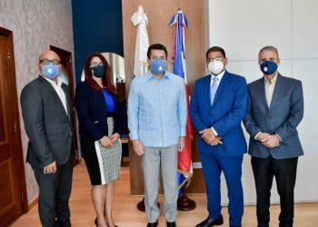 Jairon Severino,  Yenny Polanco Lovera, David Collado, José María Reyes y Luis José Chávez.