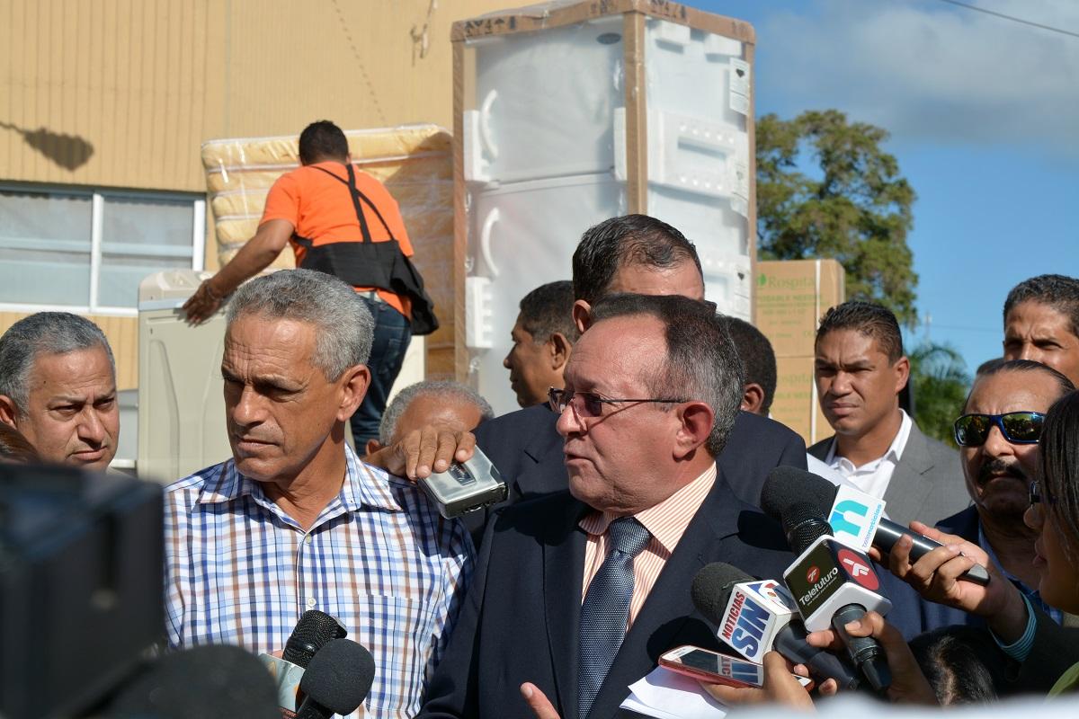 El ministro de Agricultura, Ángel Estévez, prometió que el gobierno seguirá su lucha contra estas enfermedades. Foto: LÉSTHER ÁLVAREZ