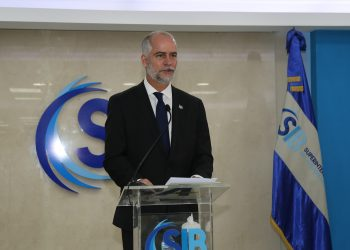 Alejandro Fernández W.