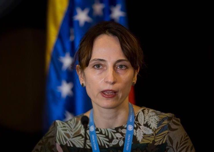 Alena Douhan ofrece declaraciones a periodistas durante una rueda de prensa en Caracas, Venezuela. | Miguel Gutiérrez, EFE.