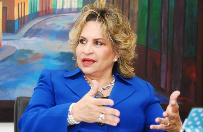 alexandra izquierdo, directora nacional one (1)