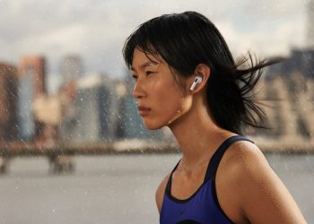 Apple_AirPods-3rd-gen_lifestyle-01_10182021
