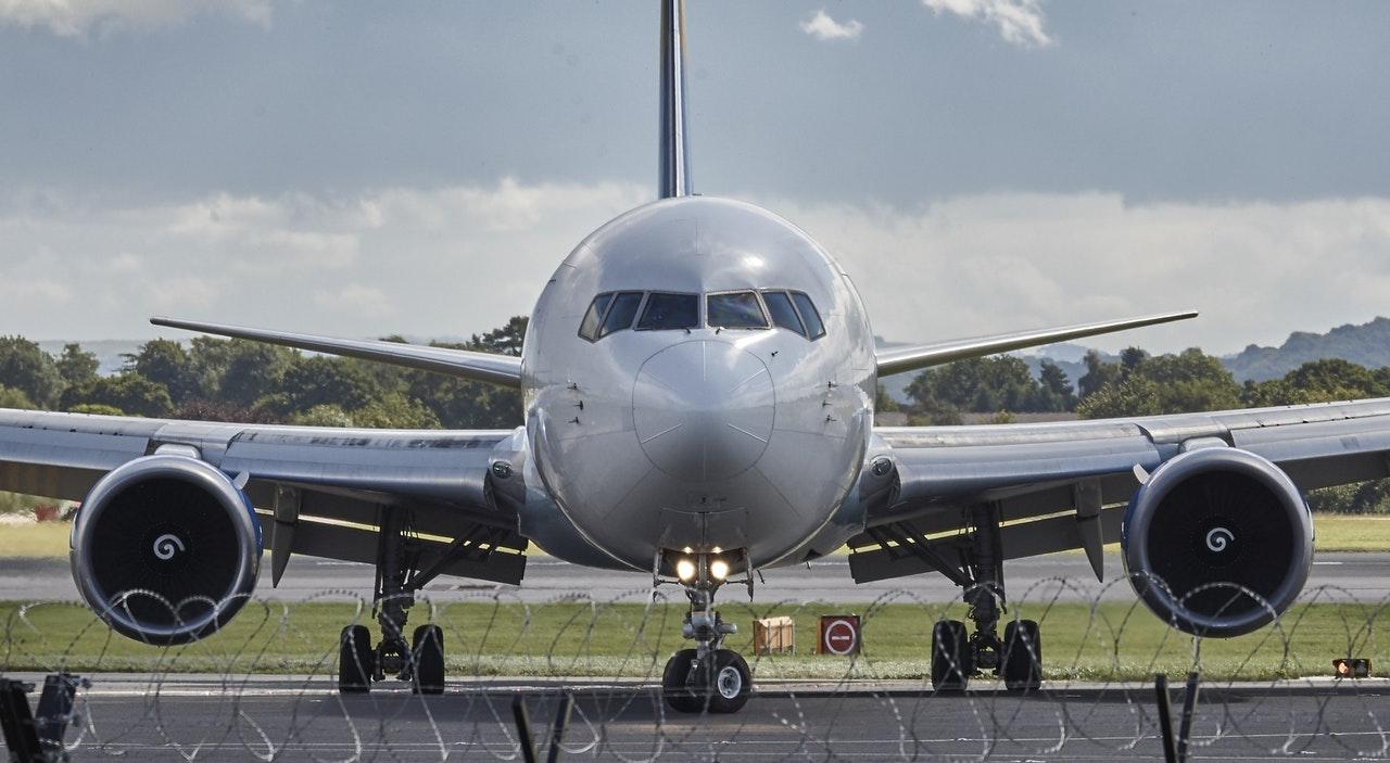 avión-Flycana