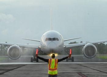 Aviones, vuelos, Aeropuerto