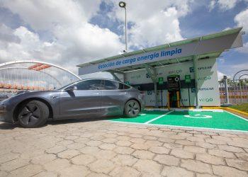 Las estaciones de carga de vehículos híbridos y eléctricos forman parte del portafolio Hazte Eco.