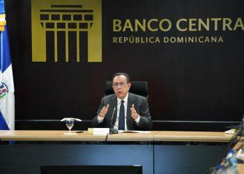 Héctor Valdez Albizu, gobernador del Banco Central dominicano.