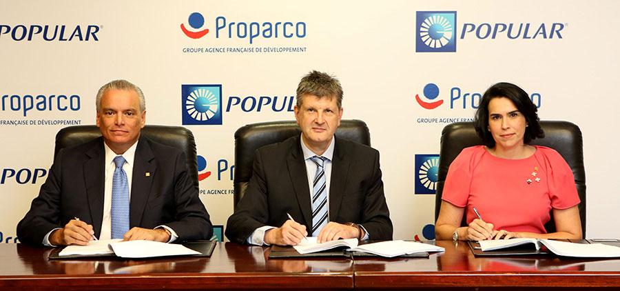 Firma de acuerdo entre Proparco y el banco Popular.