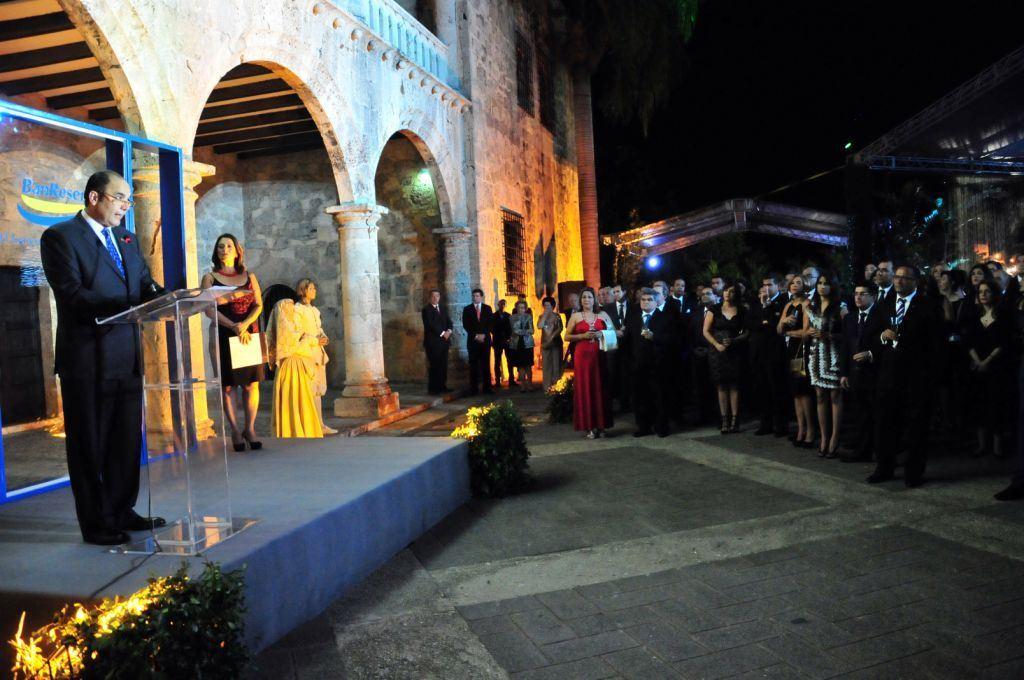 Enrique Ramírez Paniagua ofrece los detalles en una actividad en la Zona Colonial, celebrando un aniversario de más de que la Unesco declarara al casco antigua la ciudad como Patrimonio cultural de la Humanidad.