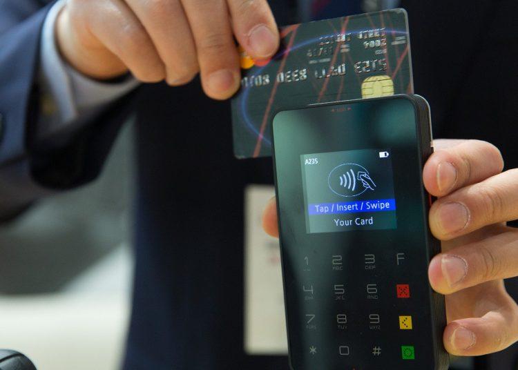 Usuarios deben registrar sus datos personales para usar billeteras electrónicas.