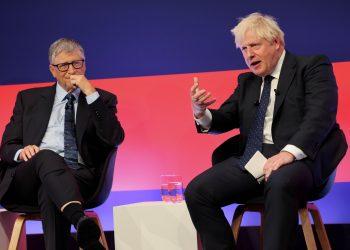 Boris Johnson y Bill Gates