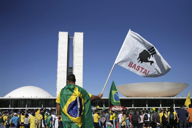 En el cordón industrial de Sao Paulo unos 5,000 trabajadores de fábricas de automóviles paralizaron su actividad./EFE