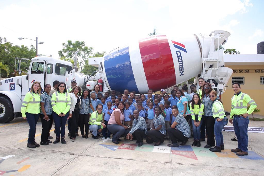 cemex dominicana inaugura escuela segura