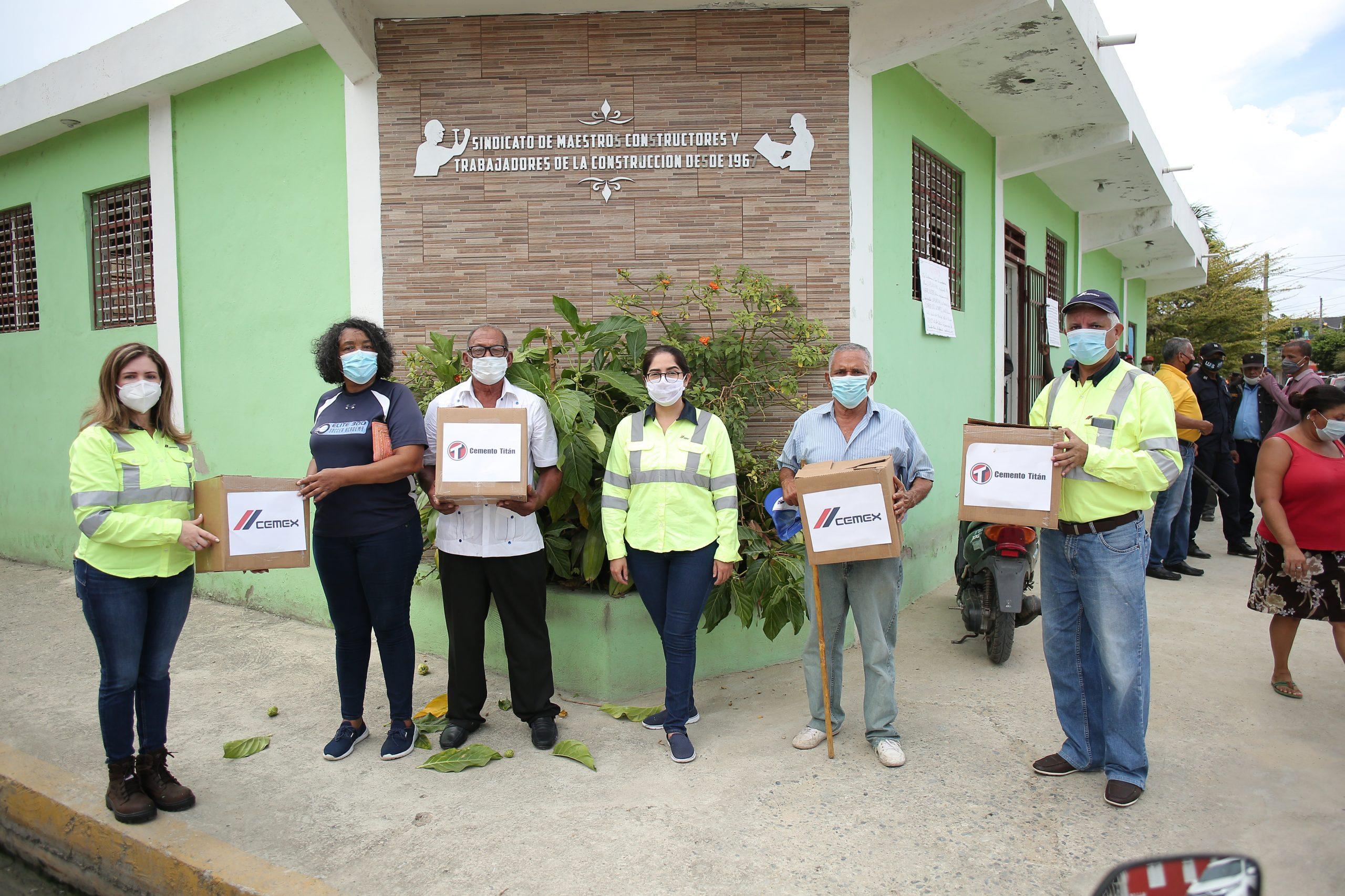 cemex dominicana entrega kit alimenticios a trabajadores de la construcción en spm