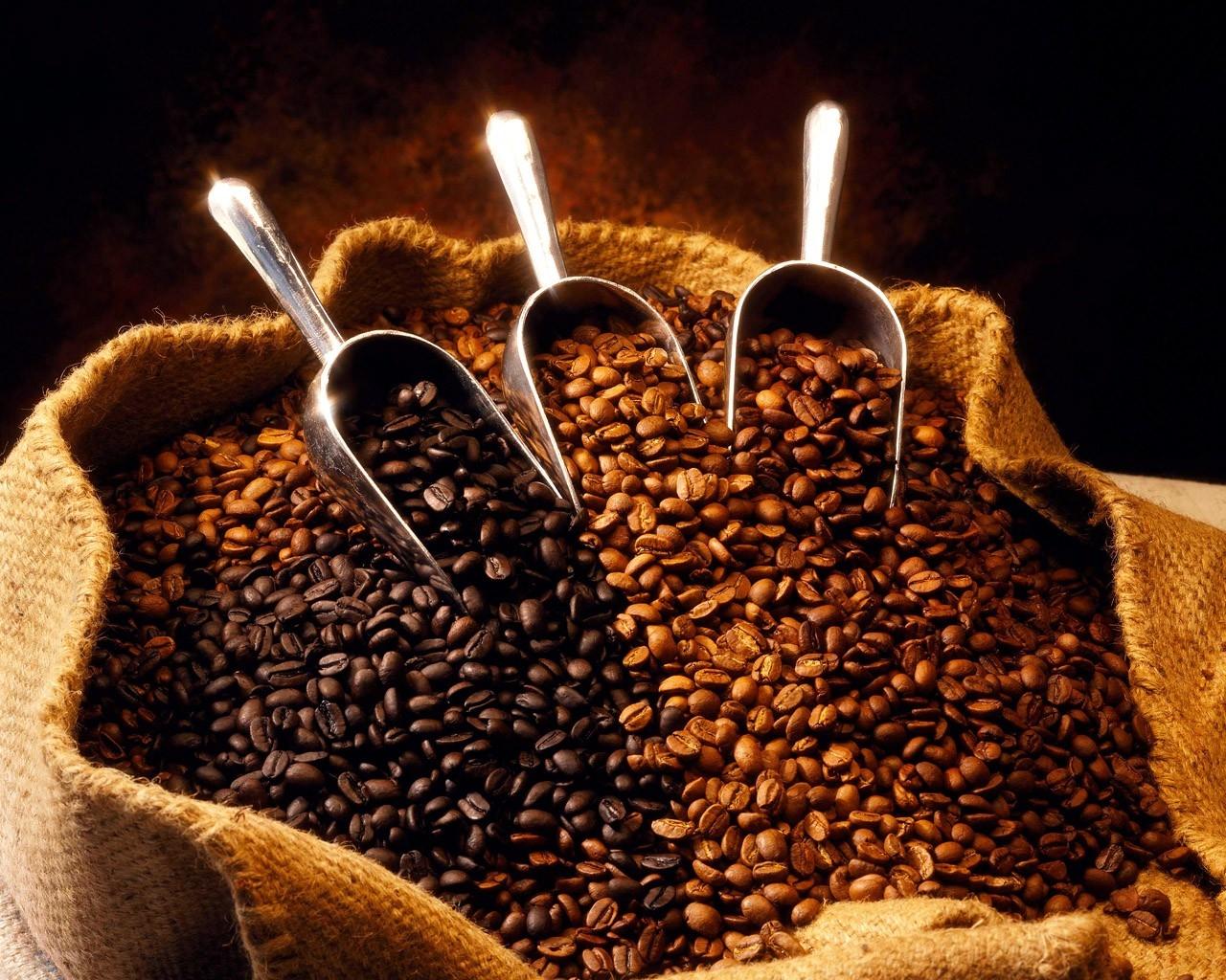 El café se vende entre RD$18 y RD$20 en los colmados, que es donde acude la mayoría de la población tras el producto.