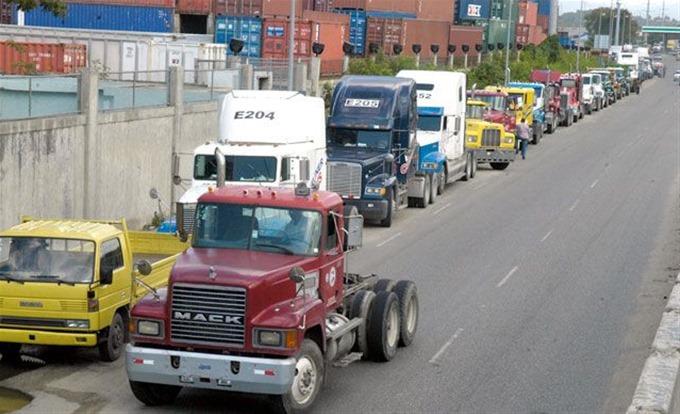 El transporte de carga en el país es dominado casi en su totalidad por un sindicato que no permite la contratación del servicio en forma particular.