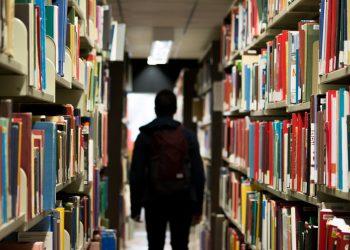 Escuela, colegio, biblioteca, estudiante