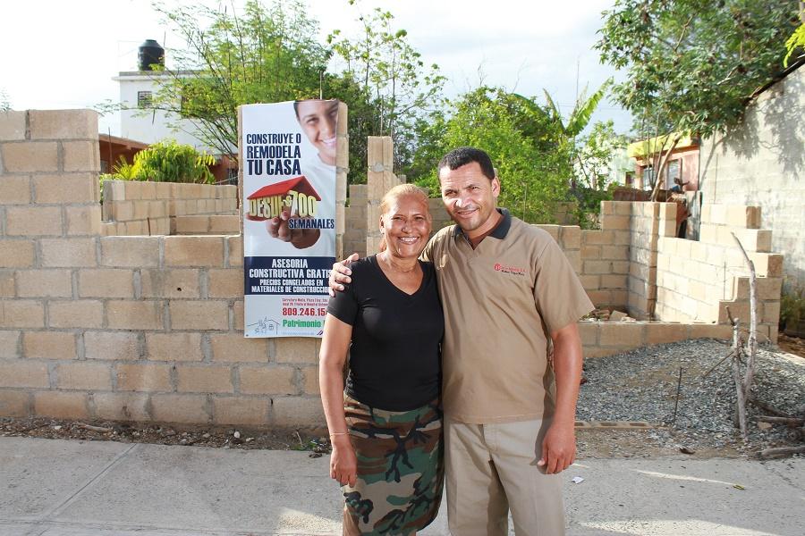 El proyecto Patrimonio Hoy de Cemex asesora a las personas al ayudarle a construir su casa.