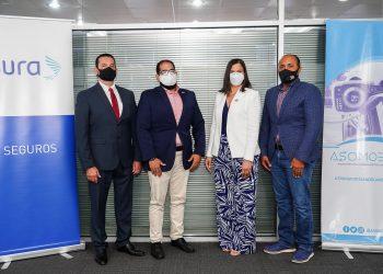 Charles Sánchez, Riquelmy Ulloa, Gina Jiménez YManuel González Abud.
