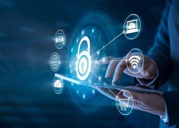Para Víctor Esquivel, se debe lograr un balance entre la protección de datos  y la agilidad con la que se debe contar para facilitar los procesos en línea.   Getty Images.