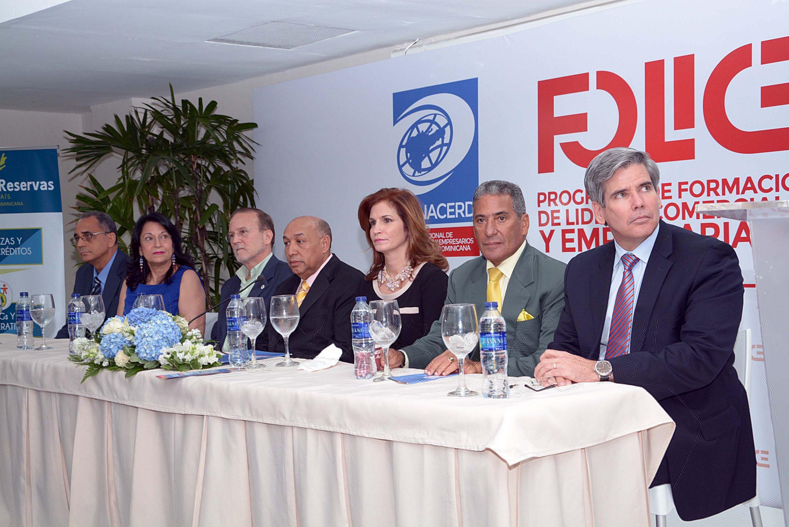 El acto de lanzamiento del programa contó la asistencia de funcionarios y líderes del sector comercio./elDinero