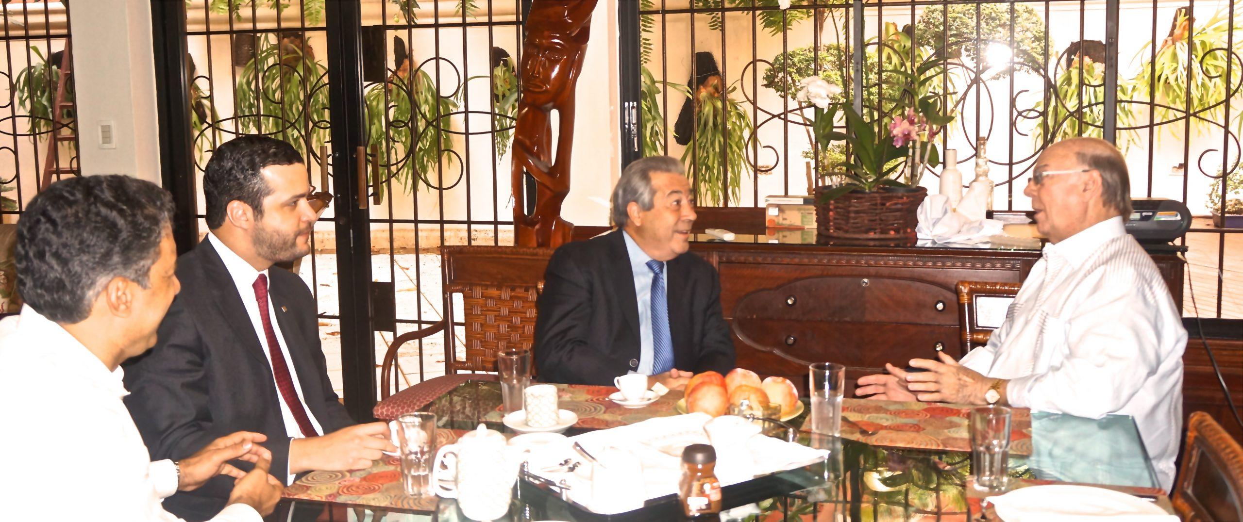 Rafael Blanco Canto fue recibido por Hipólito Mejía en su residencia./elDinero