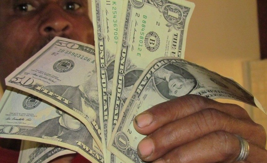 Para el Banco Mundial, la banca ayuda a dinamizar el sector privado.