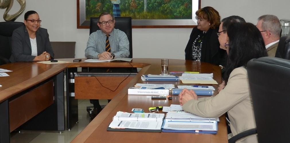 La reunión, en la que participaron como anfitriones la DGII y Aduanas, dio inicio al proceso de implementación./elDinero