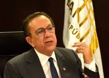 Héctor Valdez Albizu / Lésther Alvarez