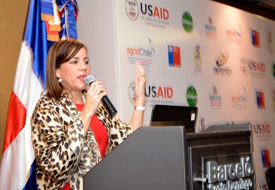 Saschia Seibel, presentación de informe laboral por parte de la USAID.