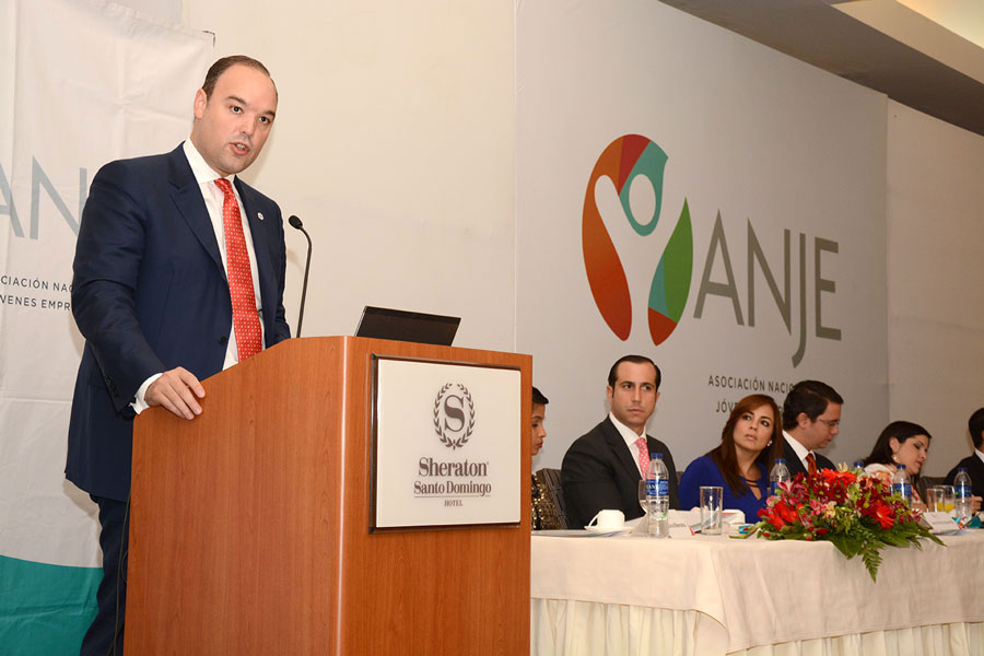 José del Castillo Saviñón, ministro de Industria y Comercio, durante su exposición ante directivos de la ANJE./ LÉSTER ÁLVAREZ
