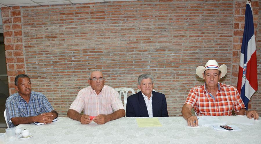 Los productores de Peravia reclaman justa distribución del agua. /GABRIEL ALCÁNTARA.