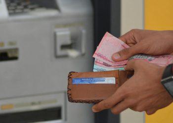 La Onpeco, dirigida por Altagracia Paulino, detalla que con ese marco jurídico se le daría la oportunidad de que la persona deudora pueda mantener su crédito y posibilidades de continuar su desempeño económico, mientras repara sus deudas.  | Lésther Álvarez