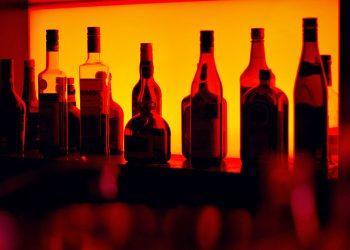 Daniel-Witt-advirtio-sobre-los-riesgos-de-consumir-bebidas-alcoholicas-de-proveniencia-ilicita