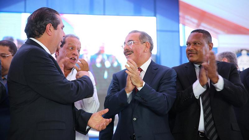 El presidente Danilo Medina dejó inaugurada la vía en presencia de empresarios turísticos de la zona y de funcionarios de su gobierno./elDinero