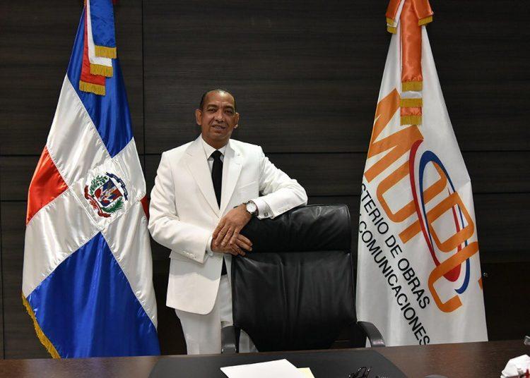 Deligne Ascensión Burgos, ministro de Obras Públicas
