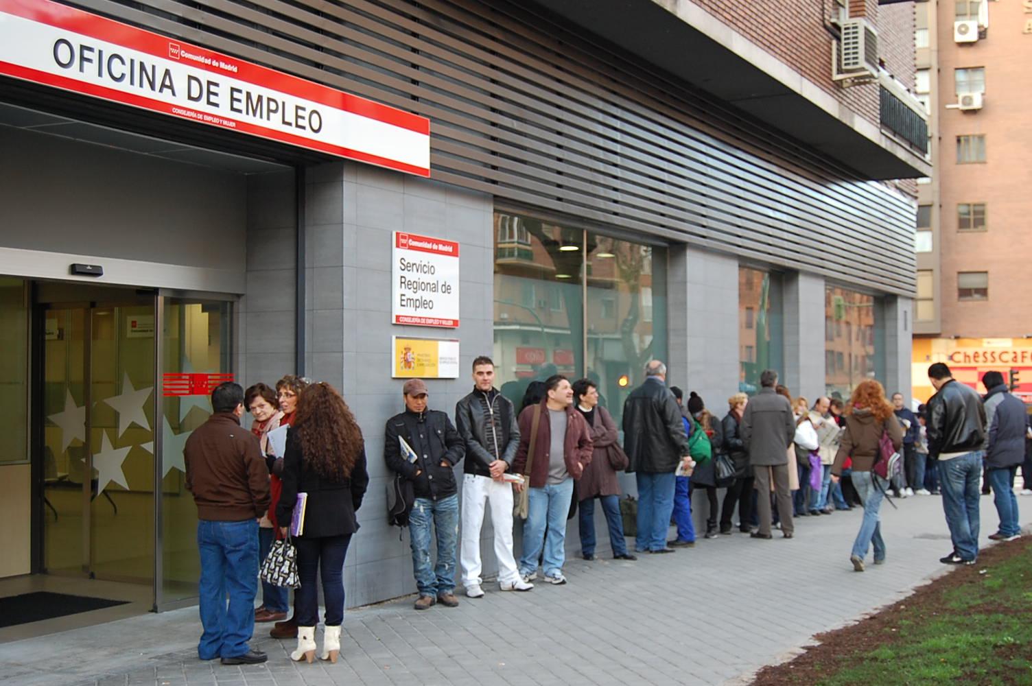España figuraba como el país con más desempleo de los Veintisiete en mayo, con un 14.5%.   Ámbito financiero.