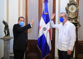 Porfirio Peralta y Luis Abinader.