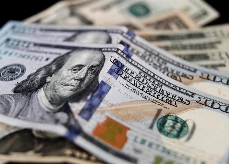 Dólares dinero