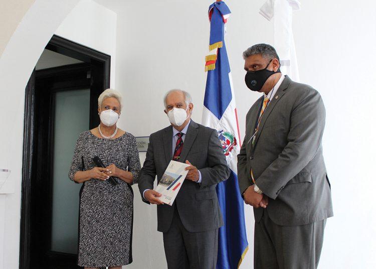 Florinda Rojas,  Wilfredo Lozano y  Jesús Vásquez