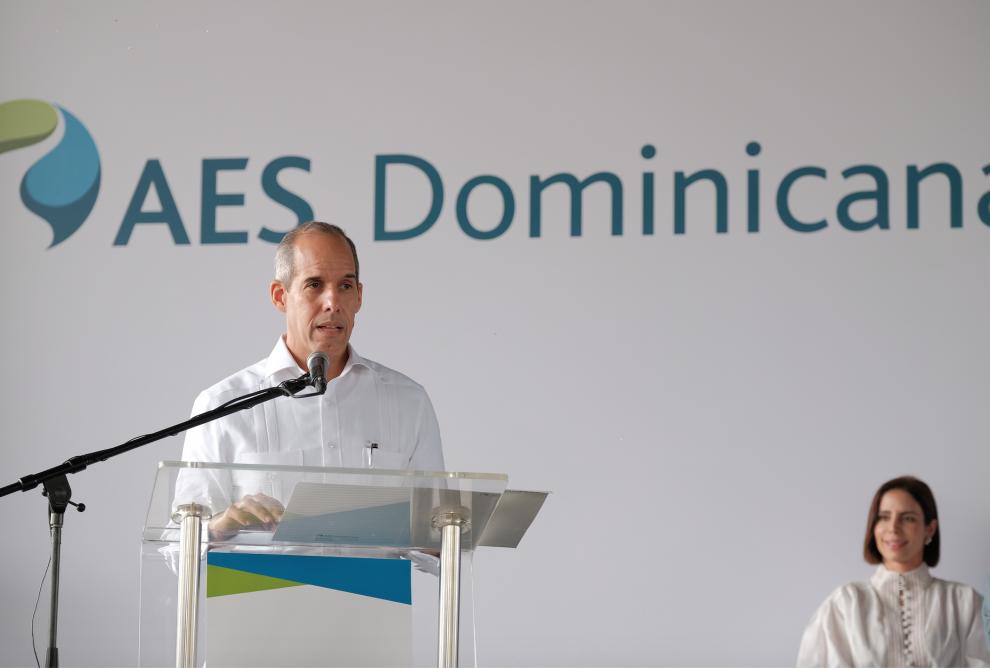 edwin de los santos, presidente de aes dominicana.