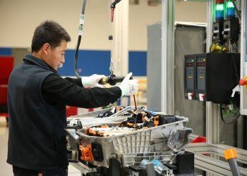 El sector de vehículos de motor, el químico y el de los productos plásticos tuvieron un efecto negativo en la producción industrial japonesa. | Europa Press.