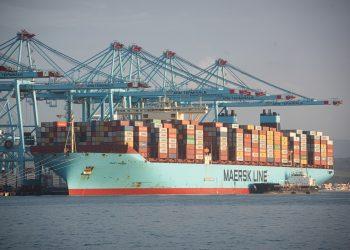Los buques Maersk Denver y Mary Maersk en el puerto de Algeciras, procedente de el canal de Suez